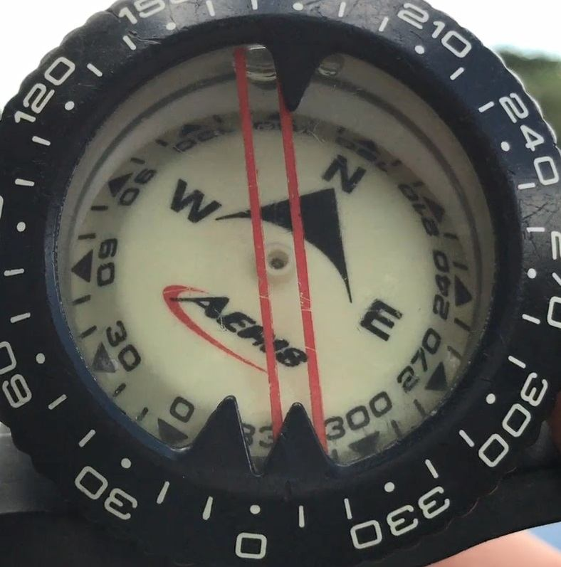 SCUBA navigation device, best underwater compass, underwater navigation