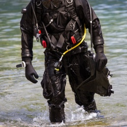 Diving Dry suit fit